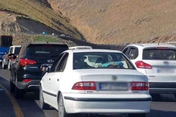 توقفهای غیر منتظره در مسیر ایلام_ مهران/ زائران آرامش خود را حفظ کنند