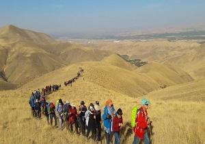 صعود کوهنوردان مراغهای به کوه زرنج