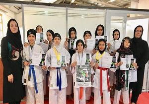 رقابت بانوان کاراته کا در مسابقه قهرمانی کاراته شهرستان یزد