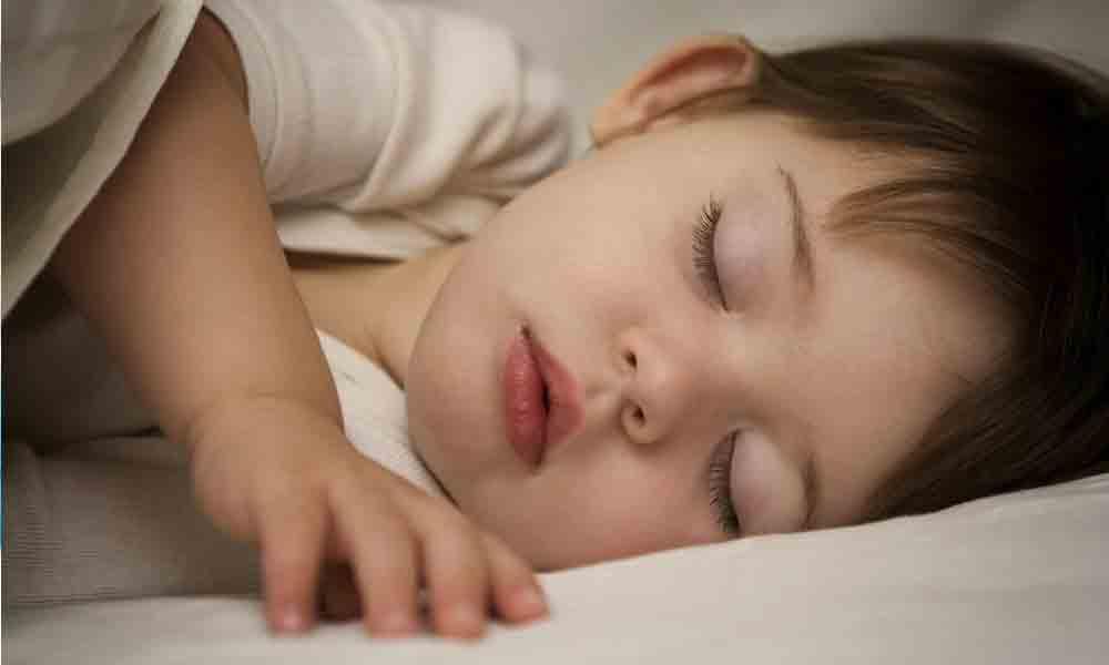 پرهیز از مصرف داروی خودسرانه برای تنظیم خواب فرزندان