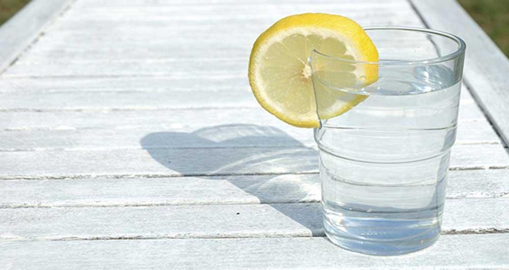 ساعت10/نوشیدنی که تنها موجب کاهش کالری خواهد شد/میوه ای خوشمزه که فئاید زیادی بر بدن دارد/ دلیل قرمزی چشم چیست/