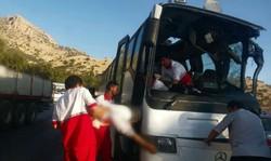 امداد رسانی جمعیت هلال احمر در پی تصادف  سرابله به ایلام