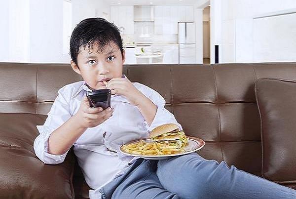 باشگاه خبرنگاران -شیوع چاقی از سنین کودکی در حال افزایش است