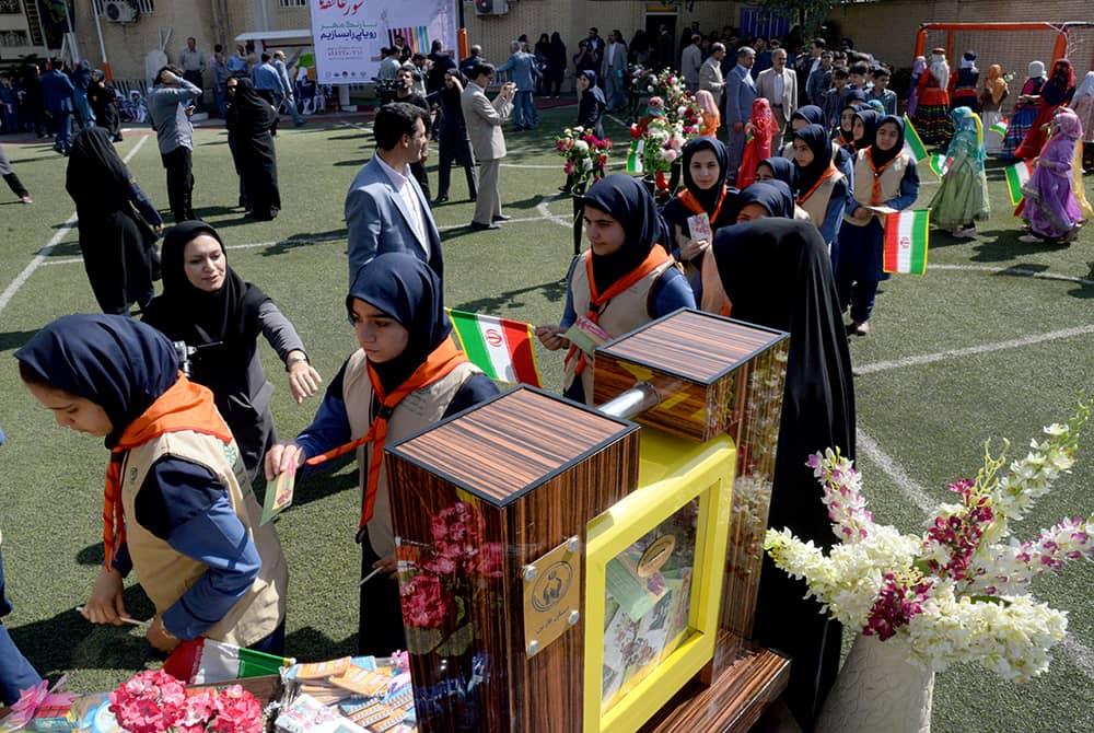جمع آوری بیش از ۱۶ میلیارد تومان در جشن عاطفه ها/کسب رتبه نخست فارس در کشور از نظر رشد حجم درآمدی