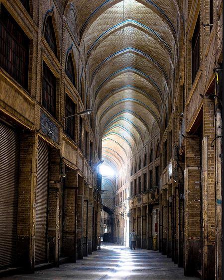 کاظمی/ مرمت معماری بازار تهران مستلزم اصلاح زیر ساختهای آن است