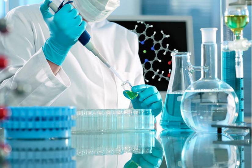 آزمایشگاههای بیماستانهای کشور تجمعیع میشوند/ نمونه گیری خون در مراکز درمانی و ارسال اینترنتی جواب آزمایش
