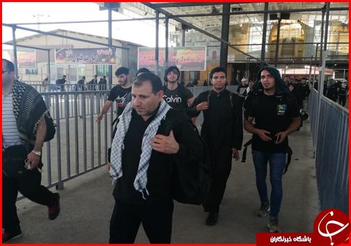 جدیدترین اخبار از وضعیت تردد زائران در مرزها؛ آبرسانی به زوار با تانکرهای سیار در مرز مهران/ زائران گمشده در عراق تحویل هلال احمر شدند + عکس