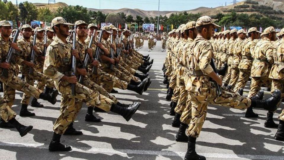 توضیحات سردار سلیمانی درباره افزایش حقوق سربازان