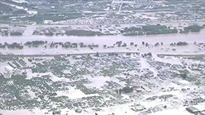 تصاویر هوایی از طغیان رودخانه در ژاپن و فرو رفتن خانه ها زیر آب