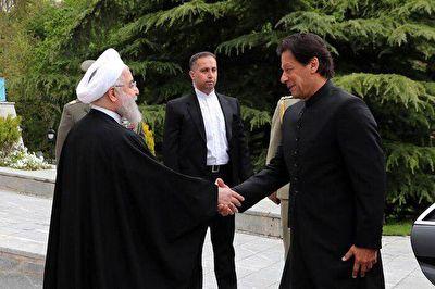 استقبال رسمی روحانی از نخست وزیر پاکستان + فیلم