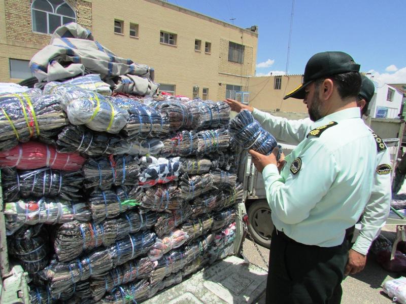 کشف بیش از ۶ هزار دست لباس قاچاق در ملایر