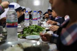 یک وعده غذای گرم برای نزدیک به ۲ هزارکودک زنجانی