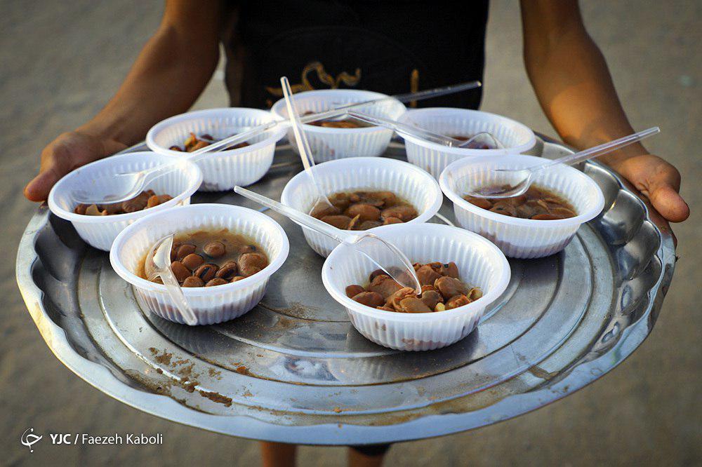 پذیرایی مردم عراق از زائران اربعین + تصاویر