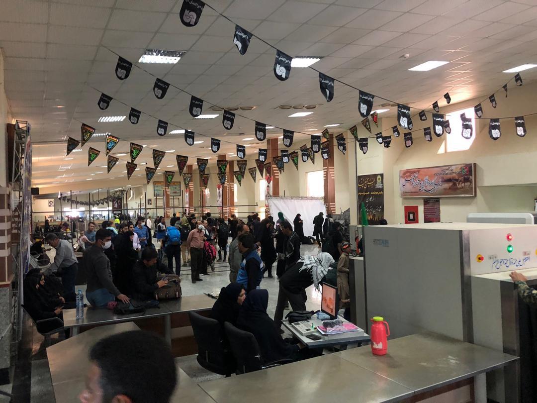 جدیدترین اخبار از وضعیت تردد زائران در مرزها/ خروج ۳ میلیون زائر از کشور/ موج بازگشت زودتر آغاز شده است +فیلم و تصاویر