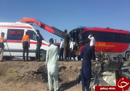 تصادف اتوبوس زوار پاکستانی با خودروی پژو ۴۰۵ / ۲ نفرجان باختند+ تصاویر