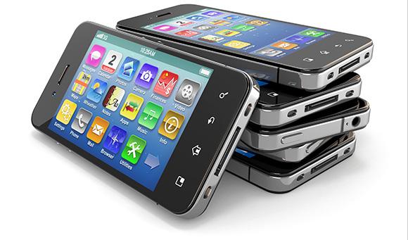 بیش از ۱۳۰ شرکت مجوز واردات قانونی تلفن همراه دارند/واردات ۹۰۰ هزار دستگاه گوشی موبایل