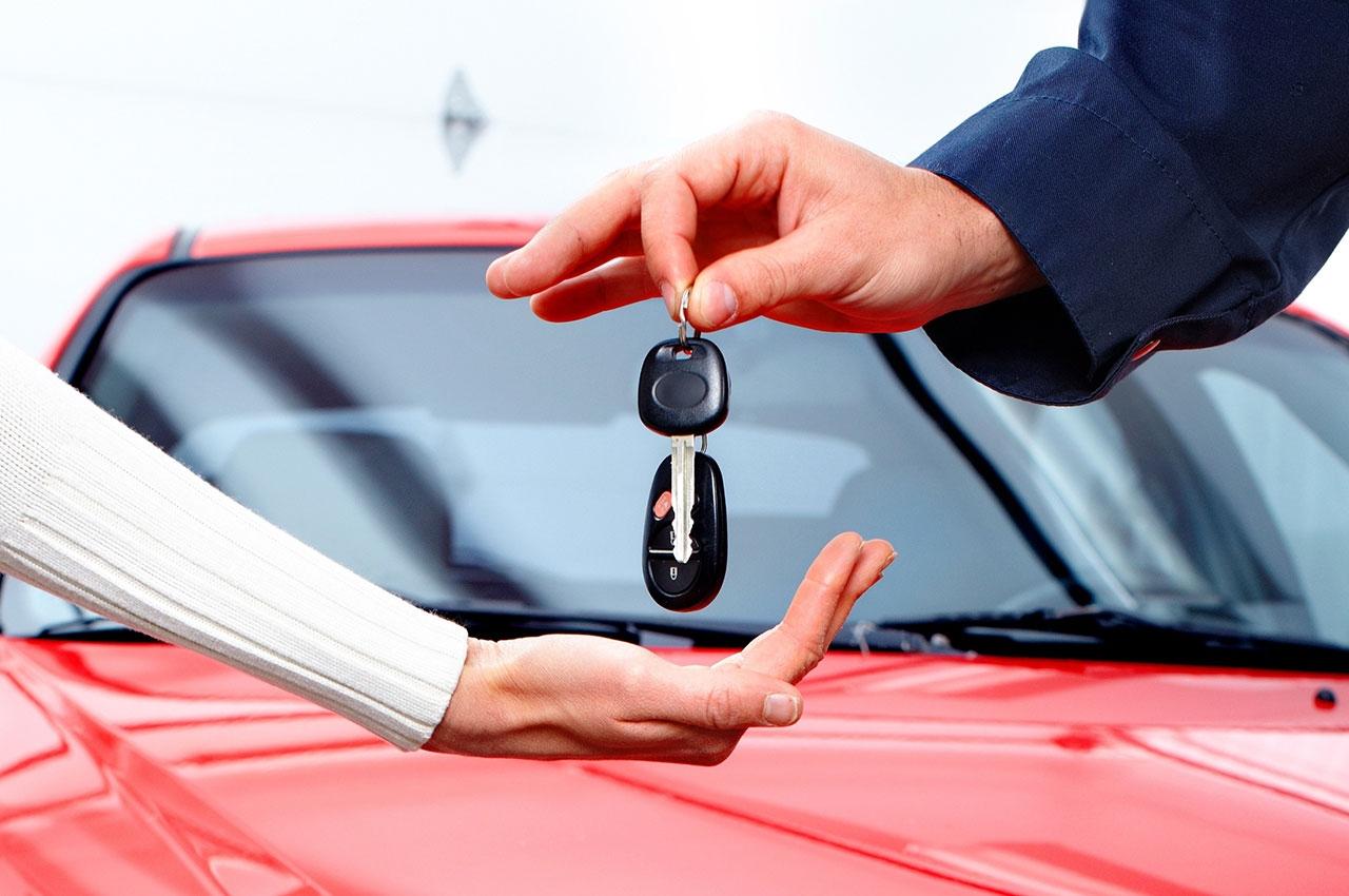 دانستنی حقوقی/ رعایت این موارد قانونی در قرارداد خرید خودرو واجب است/ مچ کلاهبرداران را با این روشهای قانونی بخوابانید