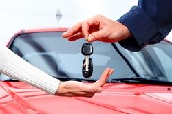 رعایت این موارد قانونی در قرارداد خرید خودرو واجب است/ مچ کلاهبرداران را با این روشهای قانونی بخوابانید
