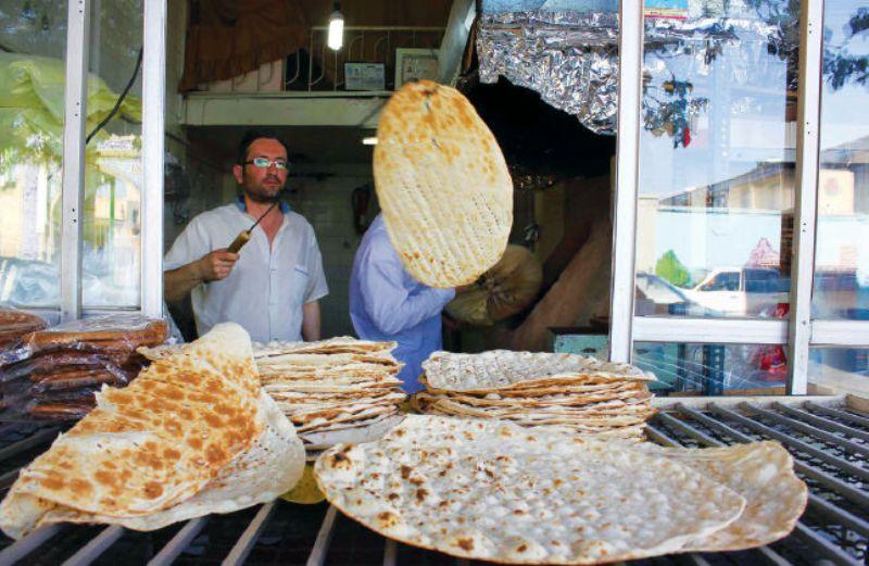 نظارت شبانه روزی بر تامین نان مورد نیاز زائران اربعین در مهران