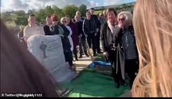 اتفاقی عجیب در یک مراسم خاکسپاری؛ مردهای که با عزاداران حرف زد + فیلم