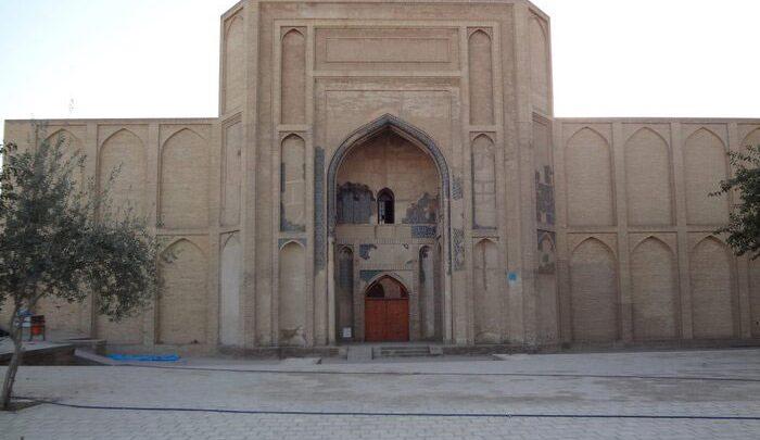 جزئیات فرونشست زمین در مسجد تاریخی ورامین