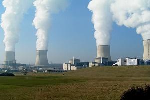 فرانسه نیروگاه هستهای جدید میسازد