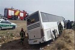 واژگونی اتوبوس حامل زائران کربلا در محور حمیل_شباب
