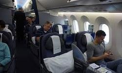گدایی پیرمرد متکدی در پرواز خارجی! + فیلم