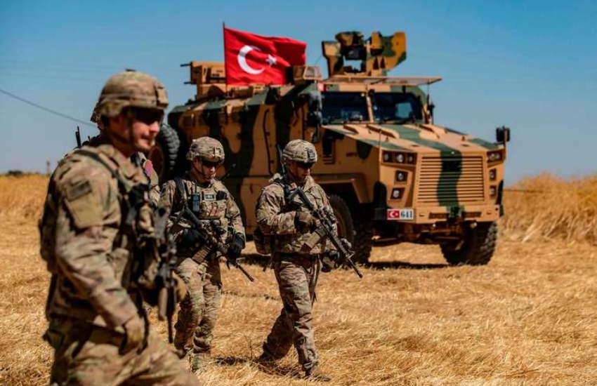 علیرغم توافق ترکیه و آمریکا، تیراندازی و گلولهباران در راس العین ادامه دارد