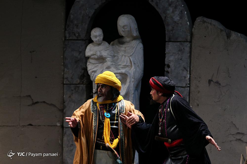 همتی: نمایشهایی که ملی و آیینی نیستند حمایت میشوند، اما تئاترهای مذهبی نه!/ متوسلی: مسئولان هر وقت کار دارند یاد ما میافتند + فیلم
