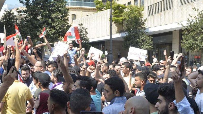 مردم لبنان خواستار استعفای دولت هستند/ مهلت 72 ساعته سعد الحریری مشکلی را حل نمی کند