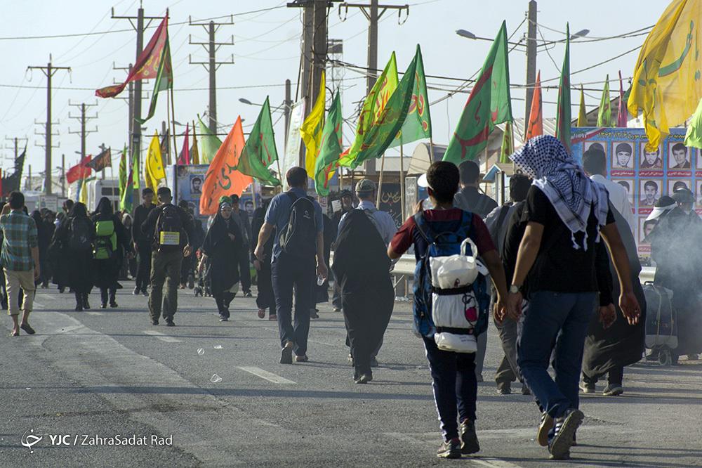 باشگاه خبرنگاران -جدیدترین اخبار از وضعیت تردد زائران در مرزها/ بازگشت ۸۰ درصد زوار به کشور/ اتباع پاکستانی اجازه ورود به عراق را پیدا کردند/ جابه جایی زائران با قطار شلمچه - خرمشهر بصورت رایگان +فیلم و تصاویر