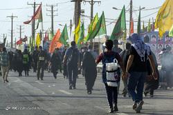 جدیدترین اخبار از وضعیت تردد زائران در مرزها/ بازگشت ۸۰ درصد زوار به کشور/ اتباع پاکستانی اجازه ورود به عراق را پیدا کردند/ جابه جایی زائران با قطار شلمچه - خرمشهر بصورت رایگان +فیلم و تصاویر