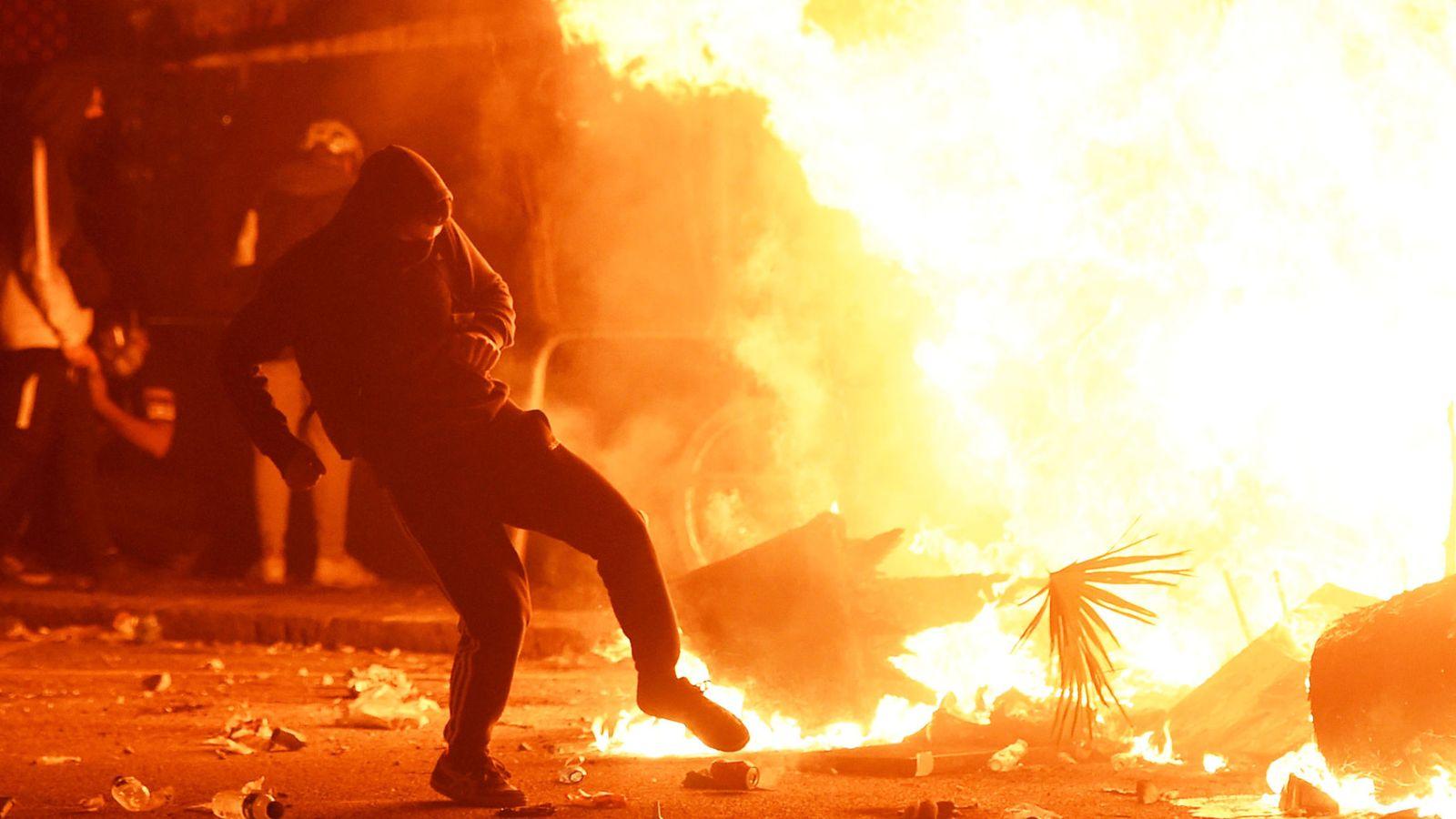 به خشونت کشیدن شدن تظاهرات در پنجمین روز از اعتراضات بارسلونا+ تصاویر