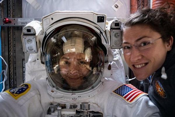 ناسا از آفتخار آفرینی فضانوردان خود تشکر کرد