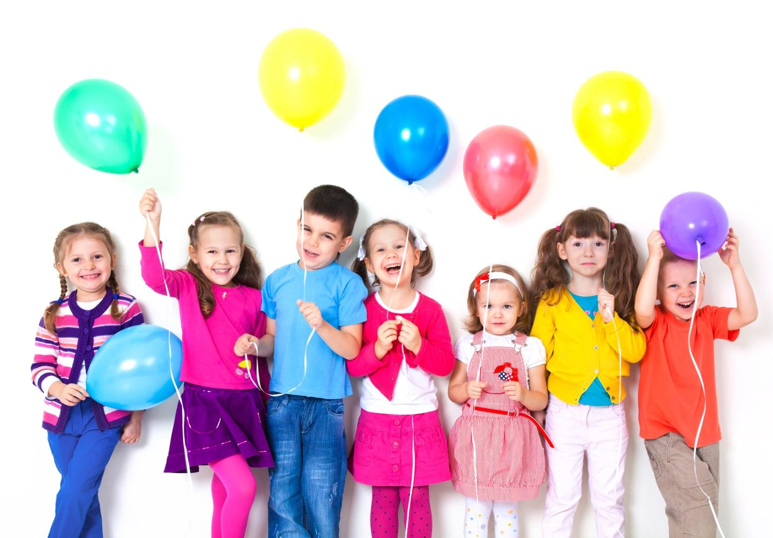 اگر می خواهید همیشه لبخند روی لب کودکتان باشد، بخوانید/ ترفندهایی که از فرزندتان فردی موفق و شاد می سازد/ا ترفندهایی برای تربیت فرزندی شاد و موفق