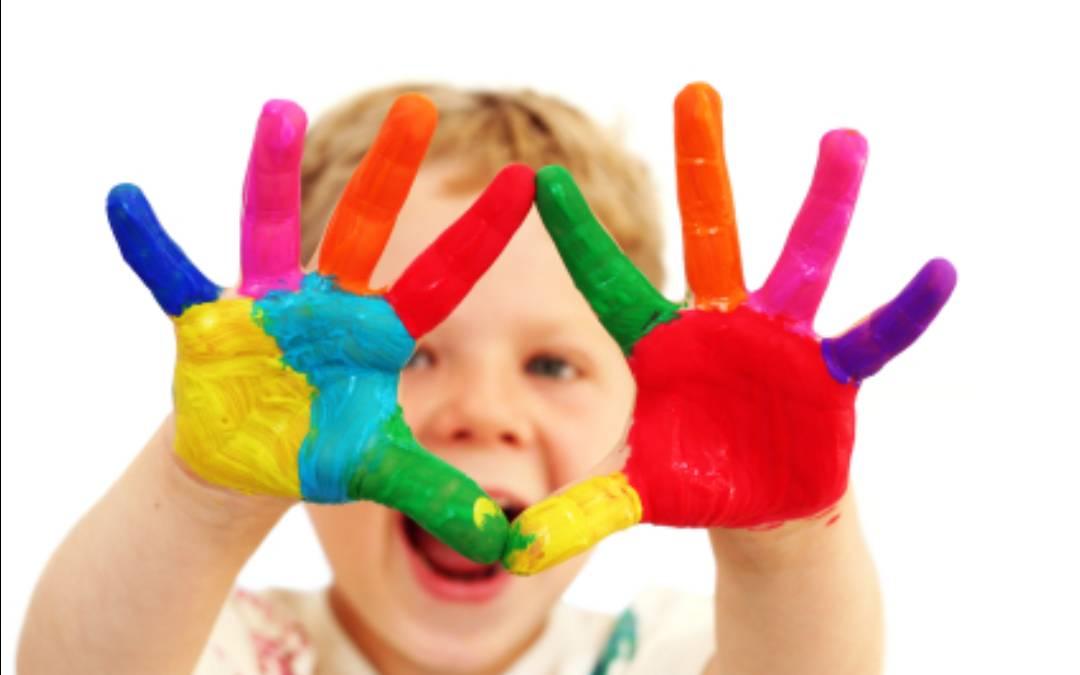 اگر می خواهید همیشه لبخند روی لب کودکتان باشد، بخوانید/ ترفندهایی که از فرزندتان فردی شاد و سرحال می سازد