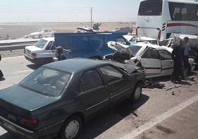 مصدومیت ۱۴ دانش آموز و راننده هرمزگانی در تصادف سرویس مدارس