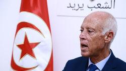 رانندگی رئیس جمهور تونس با خودروی ساخت ایران + تصویر
