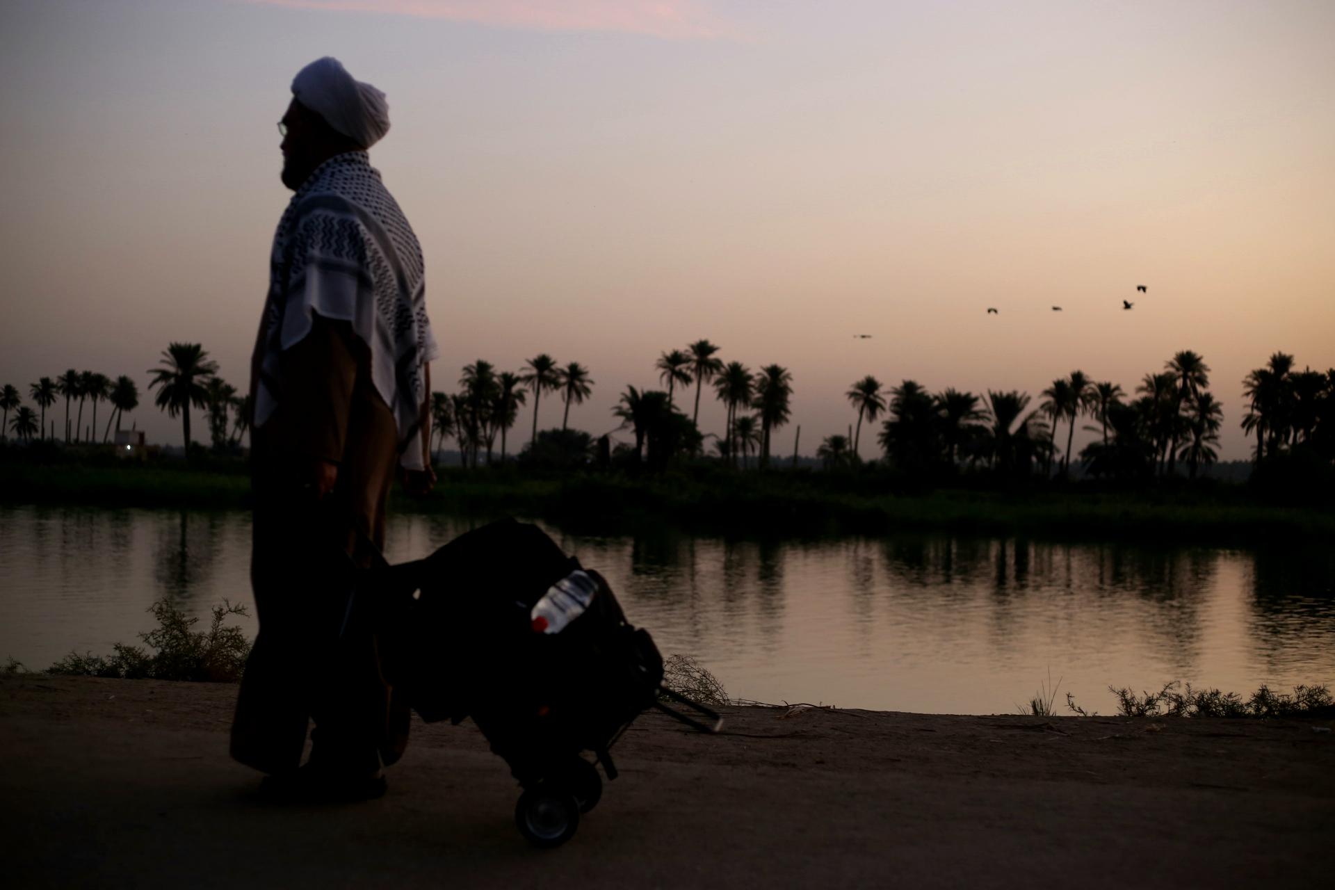 محبت عراقیها به زائران توجه مرا جلب کرد/ برگزاری نمایشگاهی بزرگ از عکسهای اربعینی در آیندهای نزدیک+ تصاویر