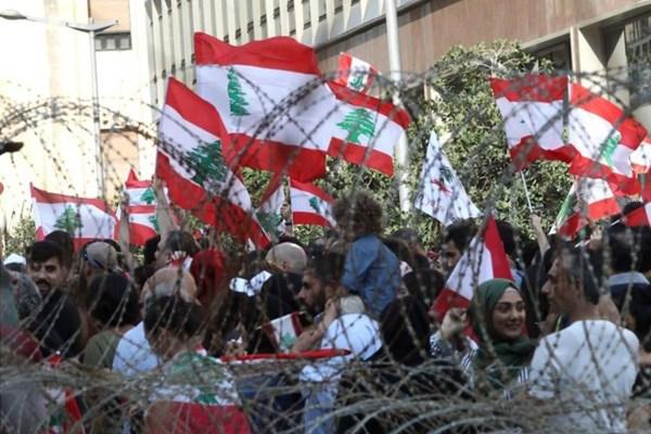 چهارمین روز تظاهرات در لبنان + تصاویر