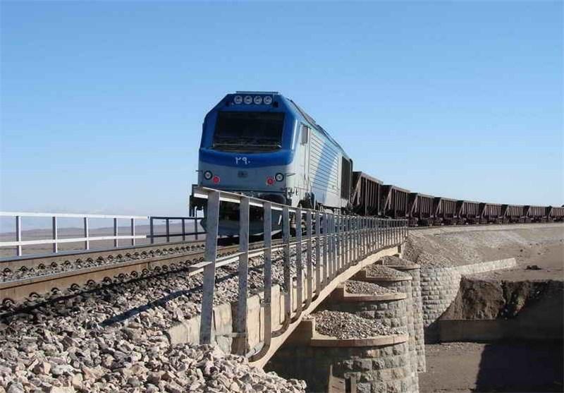 شرکت راه آهن ایران باید مشکل زیرگذر شهرک ابریشم قدس را رفع کند