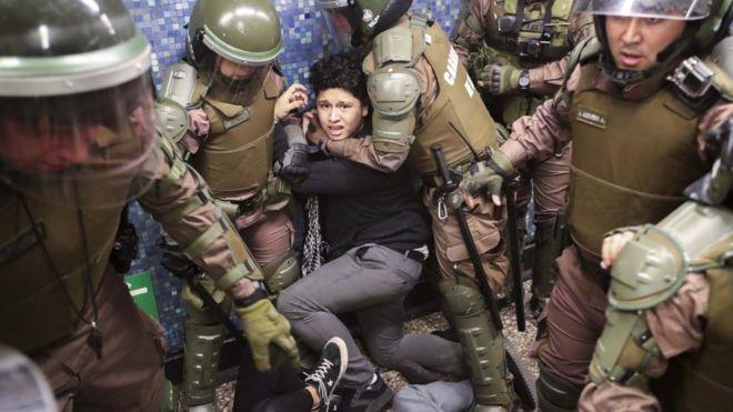 ادامه قانون منع آمد و شد در شیلی