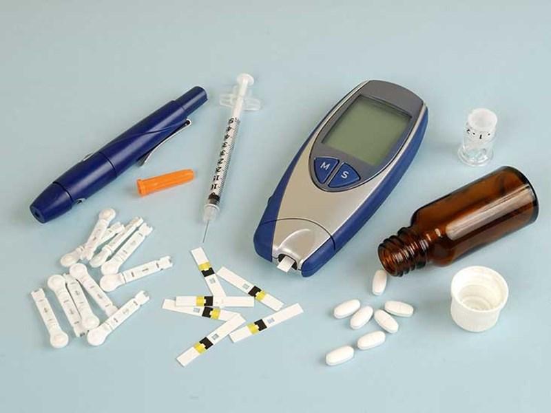 ماجرای سهیمه بندی انسولین و دغدغه بیماران قندخونی/ وقتی سلامت بیمار فدای جیب بیمهها میشود