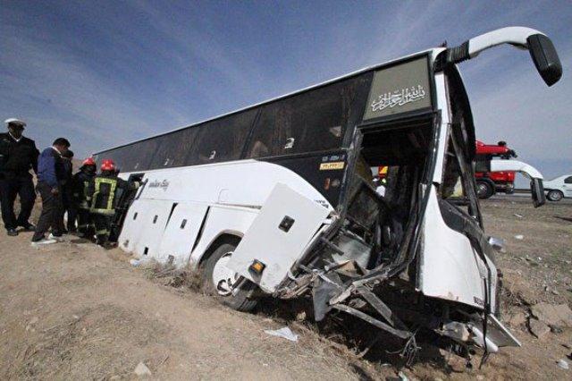 واژگونی اتوبوس زائران کربلا در ورودی شهر همدان