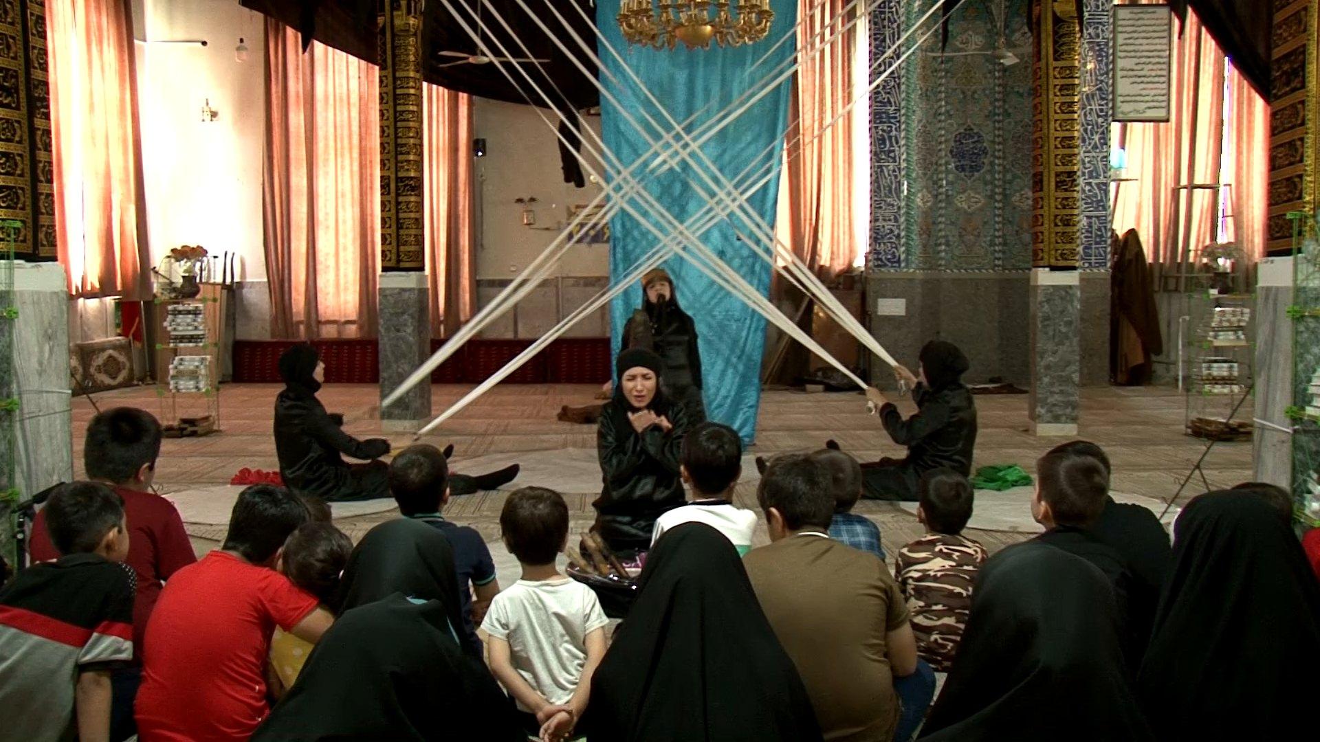 راه یابی نمایش نَقل سُرخ از همدان به چهاردهمین جشنواره سراسری تئاتر مردمی بچههای مسجد