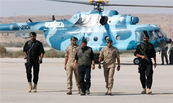 ۳۵۰ صیاد طوفانزده توسط تکاوران نیروی دریایی سپاه نجات داده شدند