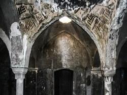 حمام باستانی و حیرت انگیزی که اکنون به خانه معتادان تبدیل شده است! + فیلم