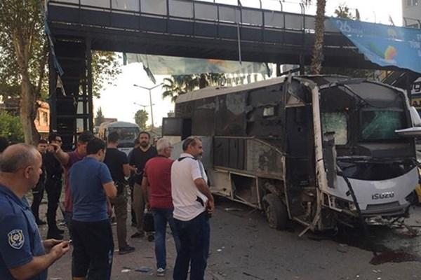 وقوع انفجار در اتوبوس نیروهای پلیس ترکیه