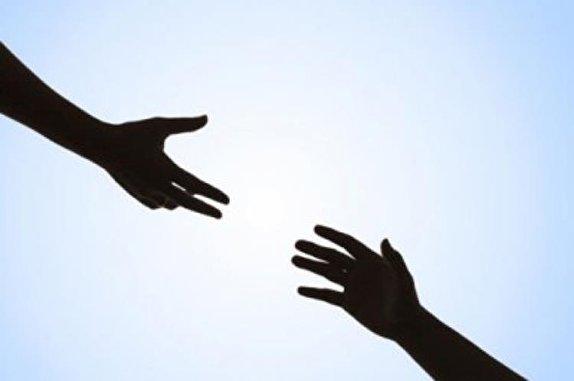 باشگاه خبرنگاران -سایه مهربانی «بانوی احسان» بر سر کودکان مناطق محروم/ وقتی کمبود تجهیزات، بن بستی برای کار خیر میشود